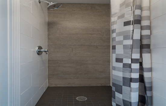 The Dorel Apartments - Shower